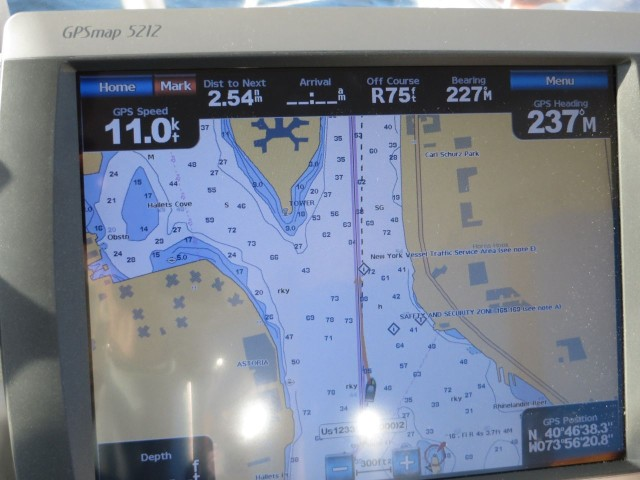 11 KNOTS!! Does that make us a power boat??