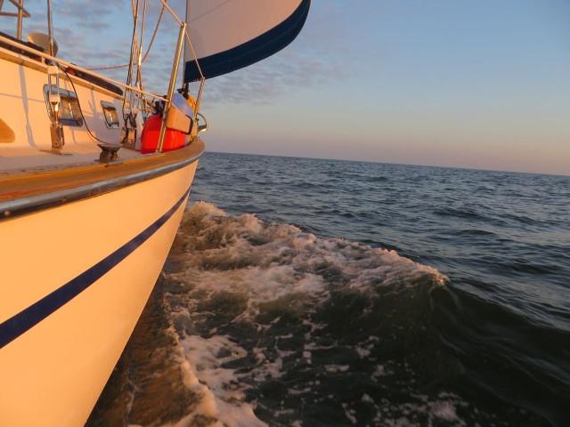 Sailing up the Delaware Bay