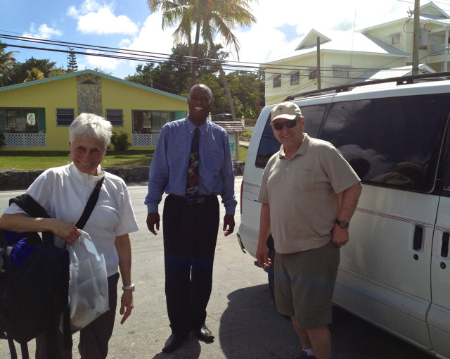 Welcome to the Abacos!! Gil and Judy arrived at Mangoes in Alexander's taxi.