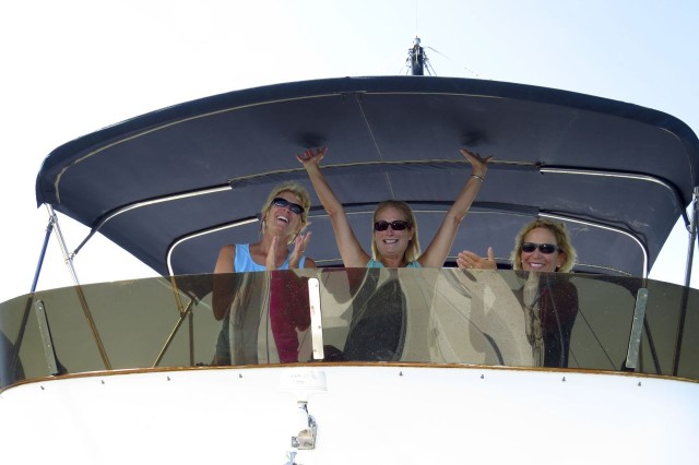 Guess who brought the boat out to the mooring for our celebration?? Yes siree- me! With my girlfriends for moral support.