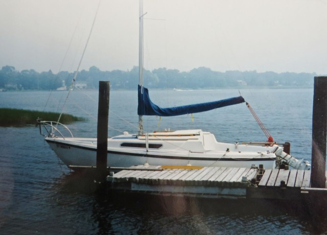 Either a MacGregor 22 or Venture 21?
