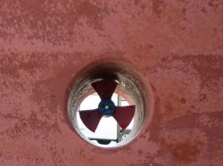 The propeller of the bow thruster at survey time.