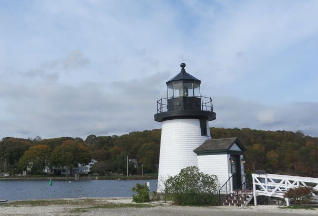 This little lighthouse looked so familiar - turns out it is a replica of the Brant Point Lighthouse on Nantucket. We have visited that one many times.