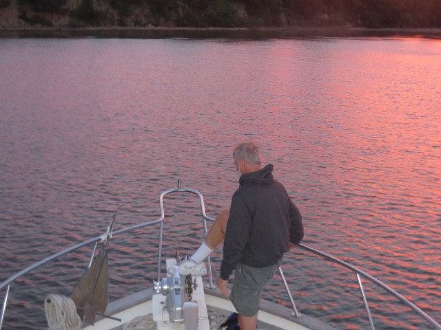 Al pulls up the anchor for another early start.