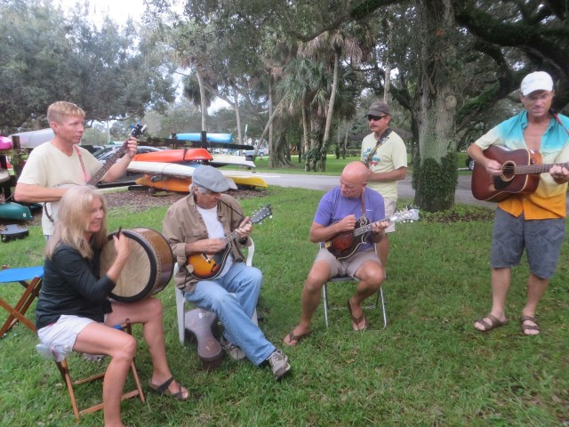 When the crew of Salty Paws is here, they arrange for the talented people to play music. What a special treat!