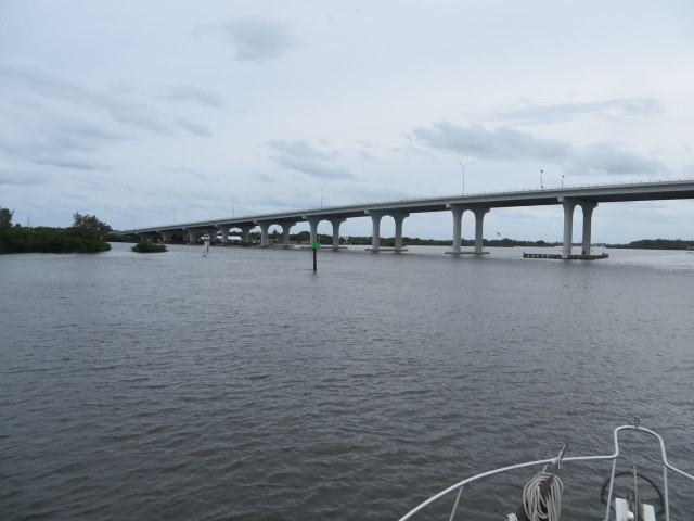 Making our port turn towards the entrance to Vero City Beach Marina. Easy once you know what to expect.