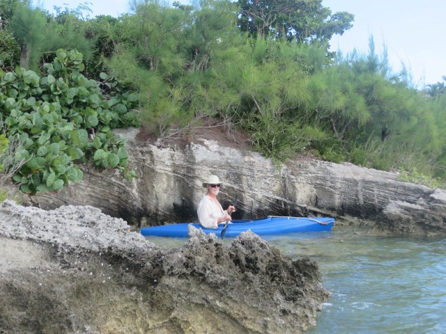 Al takes his kayak into this tiny little nook carved into the rock.