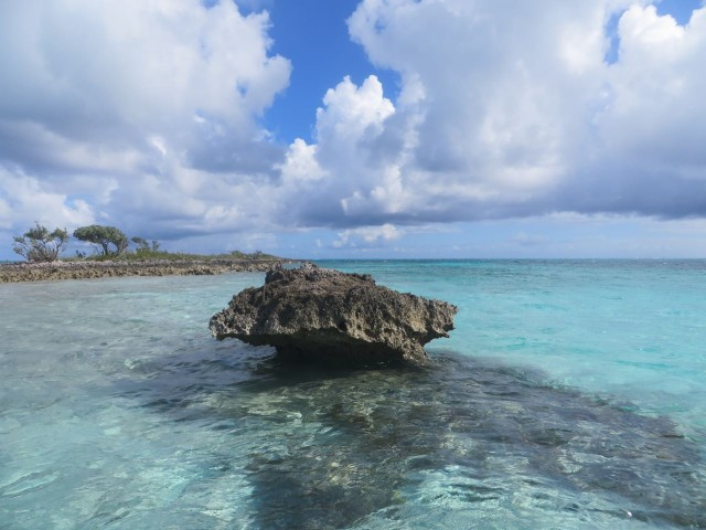 At low tide this rock near Johnny's Cay stand up and out of the water.