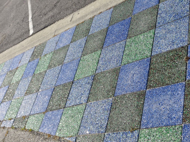 You have to admit that the sparkle of these blue and green sidewalks in Villano Beach makes for a happy walkway.